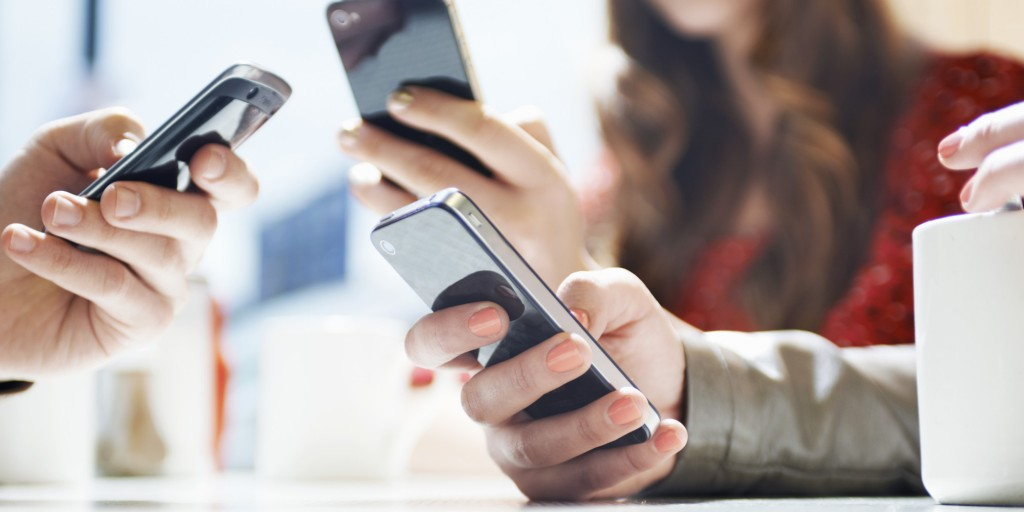 young adults overuse of mobile device Health risks associated with digital device usage surely technology opens up an amazing world of learning and productivity to today's young students.